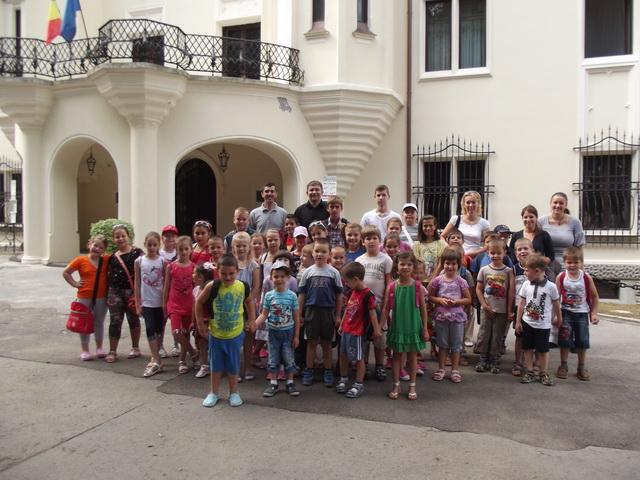 """Copiii Oratoriului """"Ave Miriam"""" în excursie,"""