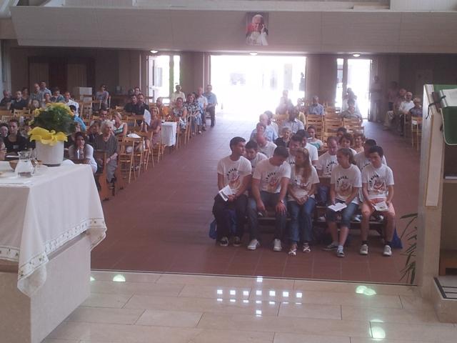 "Tineri români participanti la ""European Christian Meeting"" de la Udine,"