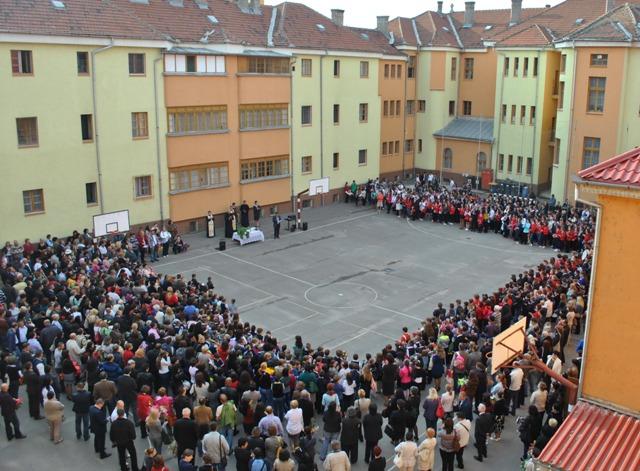 """Liceul Greco-Catolic """"Iuliu Maniu"""" – Optimism la început de an scolar,"""