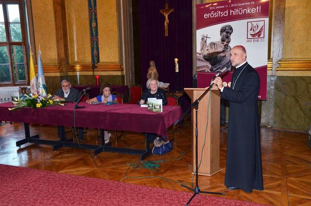 """""""Episcopiile catolice de Oradea au invitat-o pe autoarea unei carti marturie, urmasa unei familii boieresti"""","""