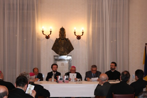 "Prezentarea volumului ""Catene e Terrore"" de Episcop Ioan Ploscaru la Colegiul Pio Romeno din Roma,"