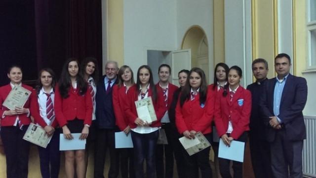"""20 de burse italiene pentru elevi silitori de la Liceul Greco-Catolic """"Iuliu Maniu"""" din Oradea,"""