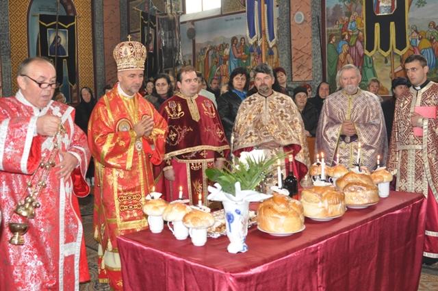 Regretatul parinte Iosif Dejeu a fost comemorat – Liturghie Arhiereasca la Vintere,
