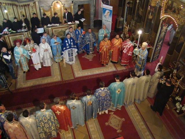 Buna Vestire în Eparhia de Oradea: trei preoti hirotoniti si 18 seminaristi învesmântati cu reverenda de catre PS Virgil Bercea,