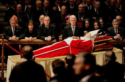 Cardinalul Dziwisz: 2 aprilie 2005 – moartea Papei Ioan Paul al II-lea,
