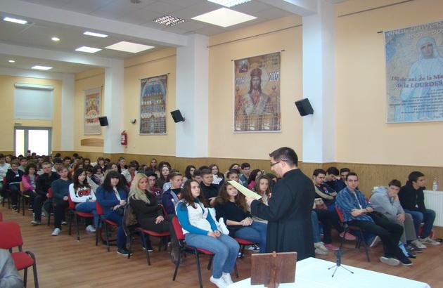 """Exercitii spirituale pentru elevii Liceului Greco-Catolic """"Iuliu Maniu"""" Oradea,"""