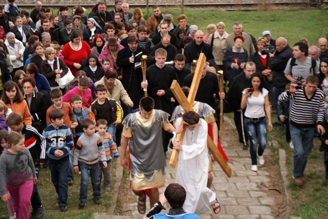 Invitatie la Calea Crucii pe dealul Calvaria din Oradea,