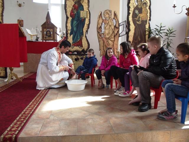 Ritualul spalarii picioarelor în Parohia Valea lui Mihai,
