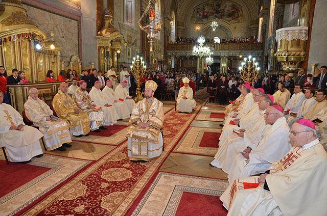 Sfânta Liturghie pentru elevi celebrata episcopii catolici din Romania,