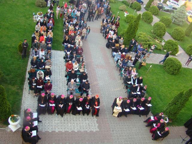 Lansare de carti si rugaciune de seara cu episcopii catolici la Seminarul greco-catolic din Oradea,