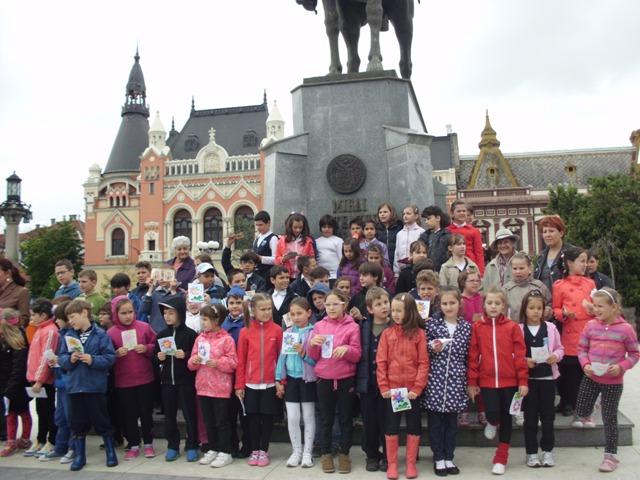 """Elevii claselor primare de la Liceul Greco-Catolic din Oradea au celebrat """"Ziua Internationala a Familiei"""","""