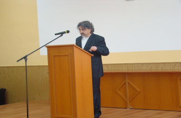 """""""Cursul festiv tinut de Maestrul Radu Muresan la Oradea, cu ocazia absolvirii promotiei 2014 de studenti teologi"""","""