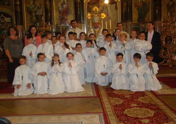 Prima Spovada si Împartasanie solemna la Catedrala Sf. Nicolae din Oradea,