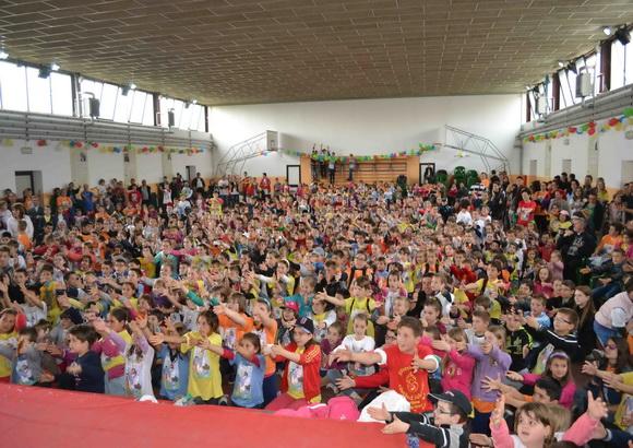 """""""Întâlnirea Copiilor din Eparhia de Oradea cu Preasfintitul Virgil, la Liceul """"Don Orione"""""""","""