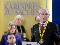 """""""Comunicat de presa: Cardinalul Marx, îl felicita pe presedintele Consiliului European, Herman Van Rompuy pentru primirea premiului Charlemagne"""","""