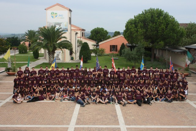 Tineri români participanti la Campusul Ecumenic International de la Loreto,