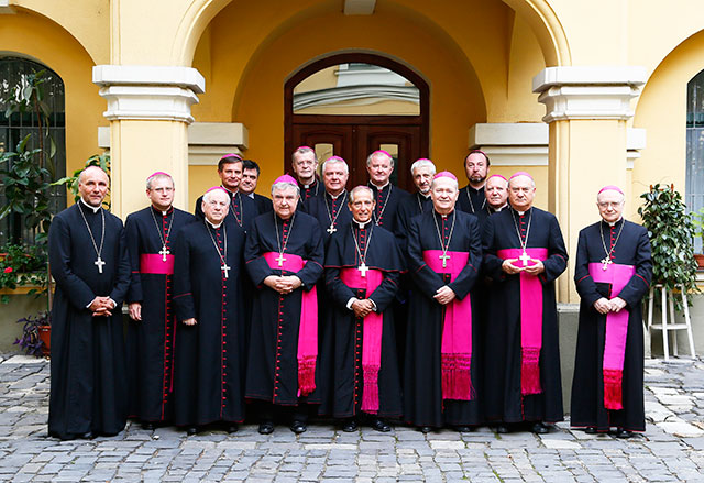 Comunicat CER: Familia si educatia tinerilor in atentia episcopilor catolici din România,