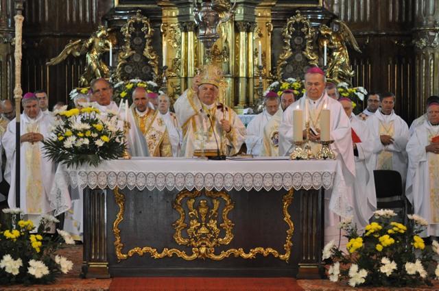 Sfânta Liturghie în rit bizantin în cadrul Conferintei Episcopilor din România,