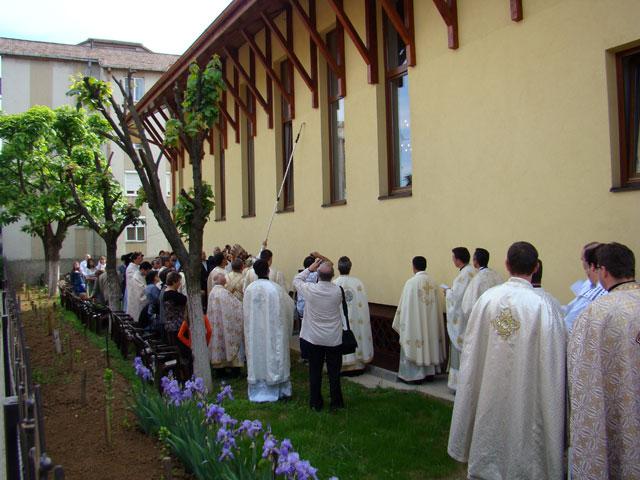 """""""Sfintirea bisericii din cartierul Iosia-Nord, Oradea"""","""