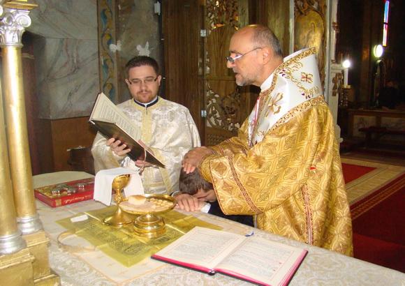 Un nou diacon hirotonit în Biserica Seminarului din Oradea,
