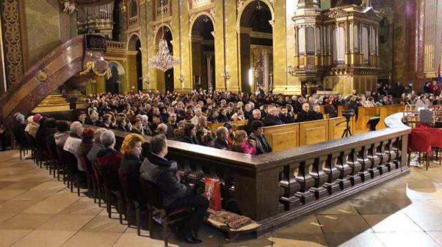 Al noualea decembrie – Bazilica Romano Catolica,