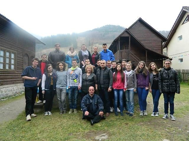 "Tinerii franciscani ""Allegria"" la exercitii spirituale,"