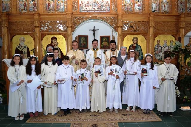 "Împartasanie Solemna în Parohia ""Sfintii Trei Ierarhi"" din Beius,"