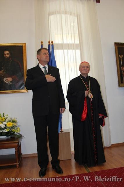 """Presedintele României i-a înmânat Preafericitului Cardinal Lucian decoratia """"Steaua României"""","""