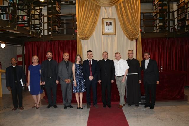 Doctorat în Drept Canonic la Institutul Pontifical Oriental din Roma,
