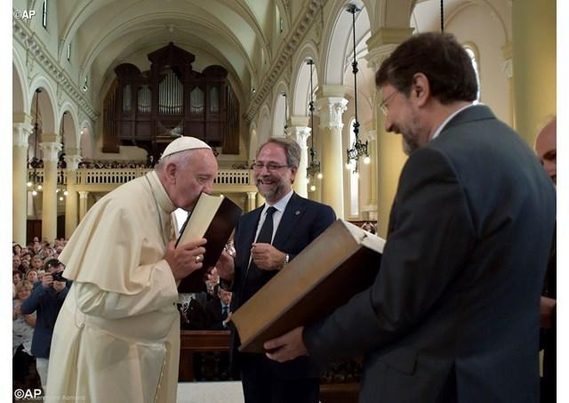 """Papa Francisc, primul Pontif la un templu valdez"","
