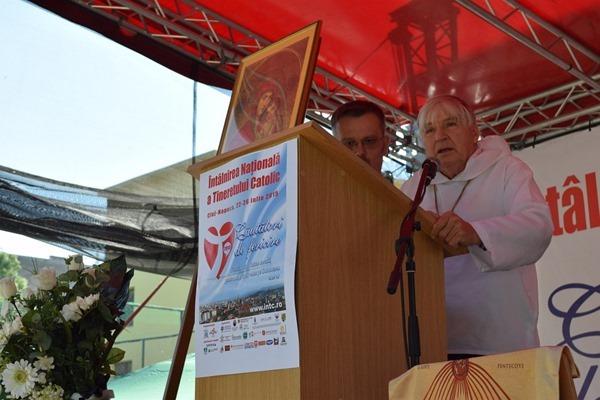 """Pr. Daniel Ange: Tinerilor, fiti mândri si demni de sângele varsat de martirii vostri"","