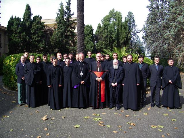 """Cardinalul Péter Erdö în vizita la Colegiul """"Pio Romeno"""" din Roma,"""