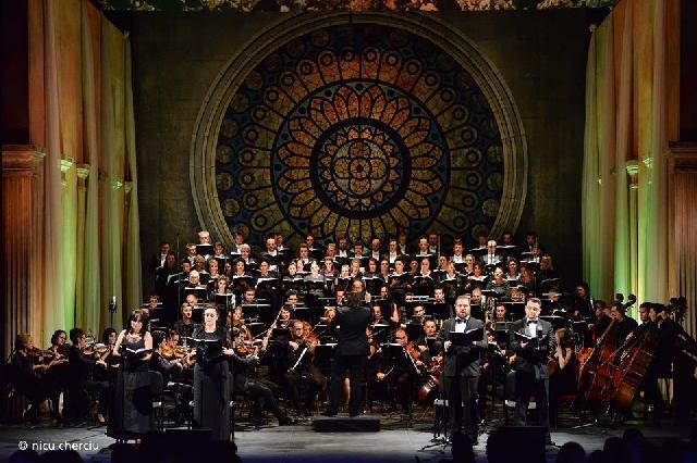 """Spectacolul extraordinar """"Requiem Parastas"""" la Opera Româna din Cluj,"""
