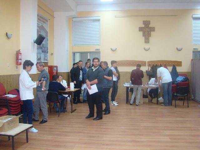 "Sângele reprezinta viata. Actiune de donare de sânge la Seminarul Greco-Catolic ""Sfintii Trei Ierarhi"" din Oradea,"