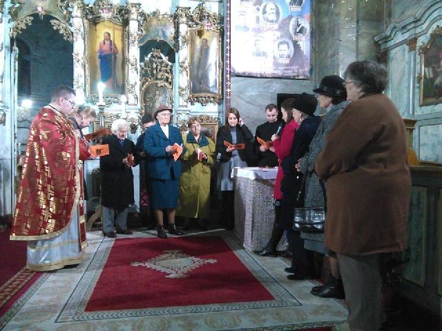 """Primirea noilor membrii în Reuniunea Mariana """"Mama Întelepciunii"""" din Parohia Olosig Oradea,"""