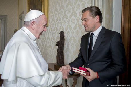 Actorul Leonardo DiCaprio la Papa Francisc,