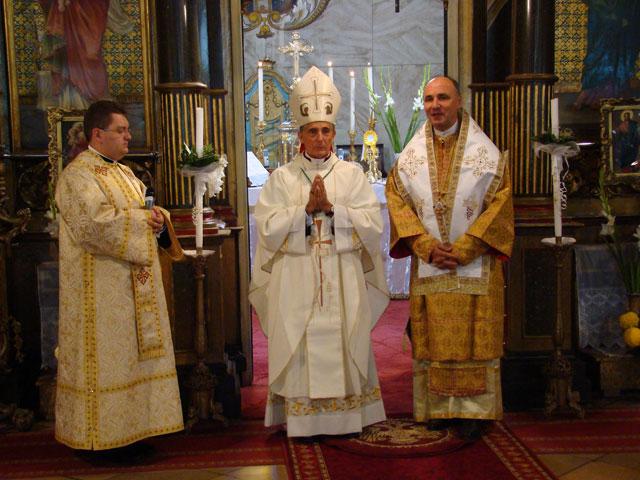 E.S. Francisco-Javier Lozano si P.S. Virgil Bercea au concelebrat Sfânta Liturghie în Catedrala,