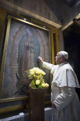 Papa si privirea Sfintei Fecioare Maria de Guadalupe,