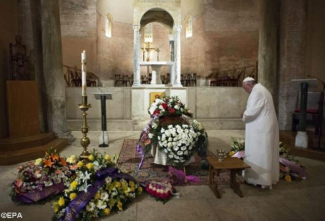 """""""Papa Francisc s-a rugat pentru receptionera de la Casa Santa Marta, decedata"""","""