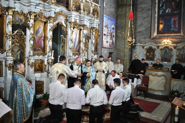 Seminarul Teologic Oradea: Binecuvântarea reverendelor seminaristilor din anul I,