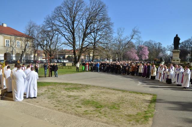 Vinerea Mare la Bazilica Romano Catolica din Oradea,