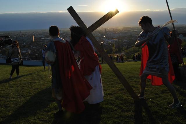 Pe urmele lui Cristos – pe Drumul Crucii,