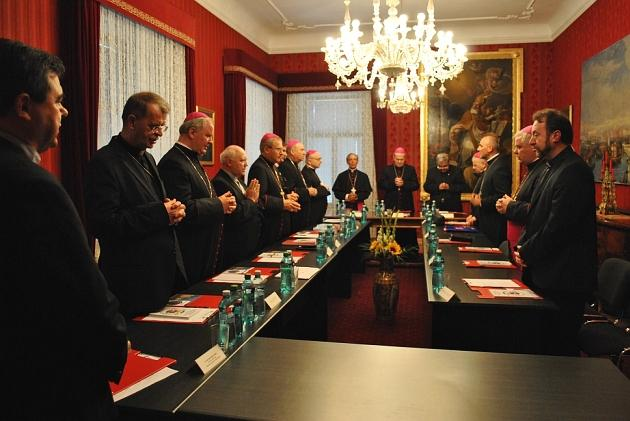 Episcopii catolici se reunesc la Bucuresti,