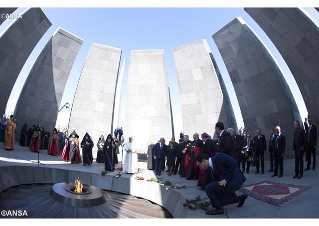 """Vizita papei Francisc la Memorialul """"Marelui Rau"""","""