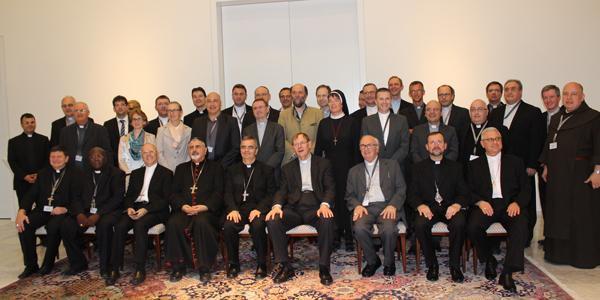 """""""A integra, a dialoga, a genera: trei cuvinte cheie si pentru episcopii europeni"""","""