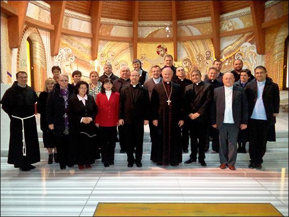 Ciofliceni: Întrunirea reprezentantilor învatamântului catolic din România,