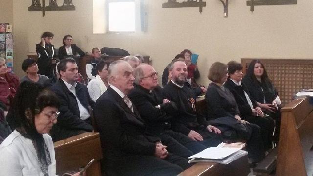 Vizita Ambasadorului României pe lânga Sfântul Scaun în parohia greco-catolica SfintiiTrei Ierarhi din Roma,