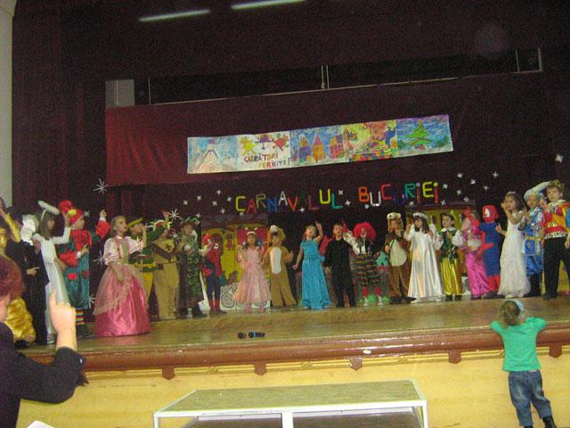 """""""Carnavalul Bucuriei"""" la Liceul Teologic Greco-Catolic,"""