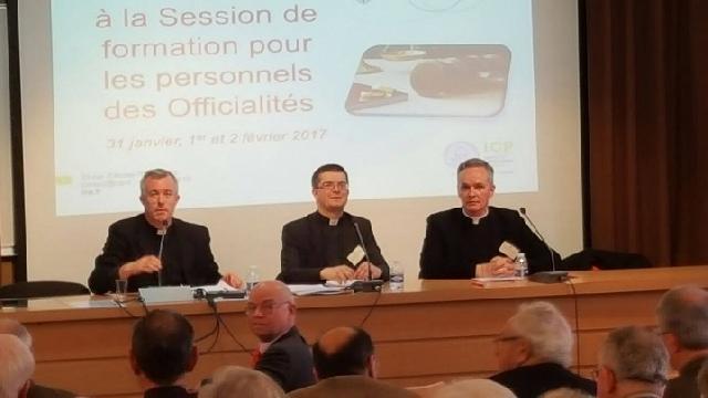 Conferinta Rectorului Misiunii Române la Institutul Catolic din Paris,