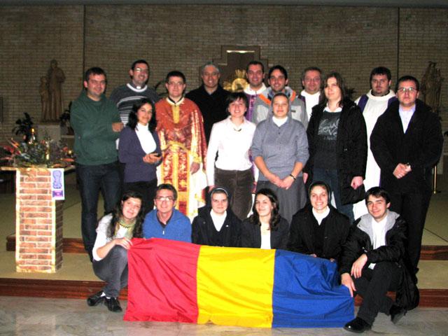"""Studentii români de la """"Universitatea Pontificala Saleziana"""" din Roma sarbatoresc Ziua Nationala si se pregatesc de Craciun,"""